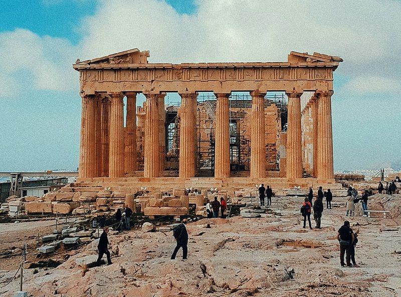 Реконструкция греческого Акрополя: археологи против