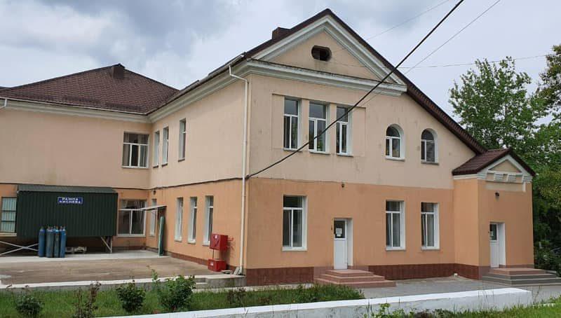 В Николаевской инфекционной больнице полиция проводит обыски