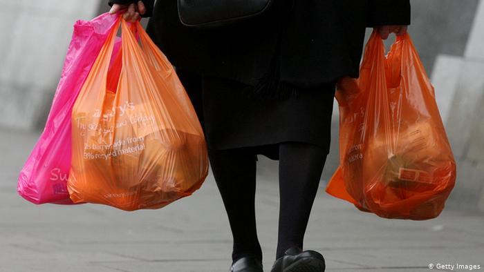 Рада запретила использование пластиковых пакетов: размеры штрафов