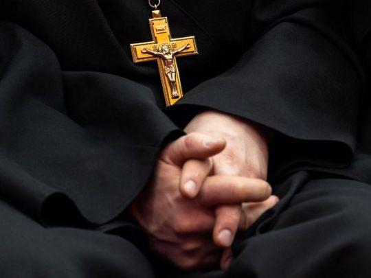 На Волыни задержали священника в лосинах, женской кофте и балетках (ВИДЕО)