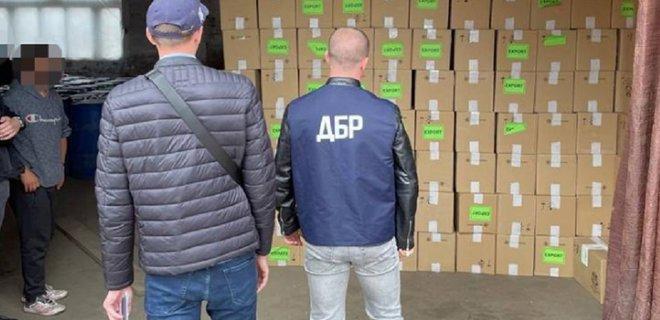 Контрабанда сигарет из Беларуси в ЕС через Украину на $600 тыс. Ввозили как керамику, вывозили как лес (ФОТО, ВИДЕО)