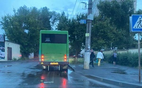 Мэрия Николаева проверила работу маршруток по вечерам в Кульбакино: договор соблюдает только один перевозчик (ФОТО)