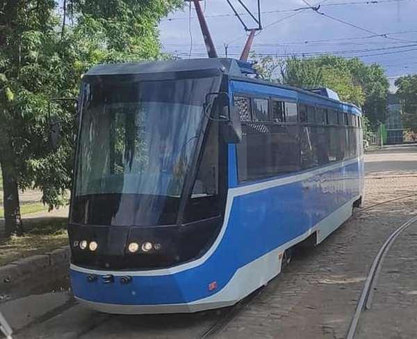 В Николаеве на обкатку вышел трамвай, который собрали на «Николаевэлектротрансе» (ФОТО)