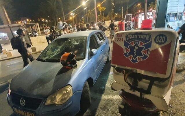Столкновения на Храмовой горе в Иерусалиме: палестинцы забросали полицейских камнями