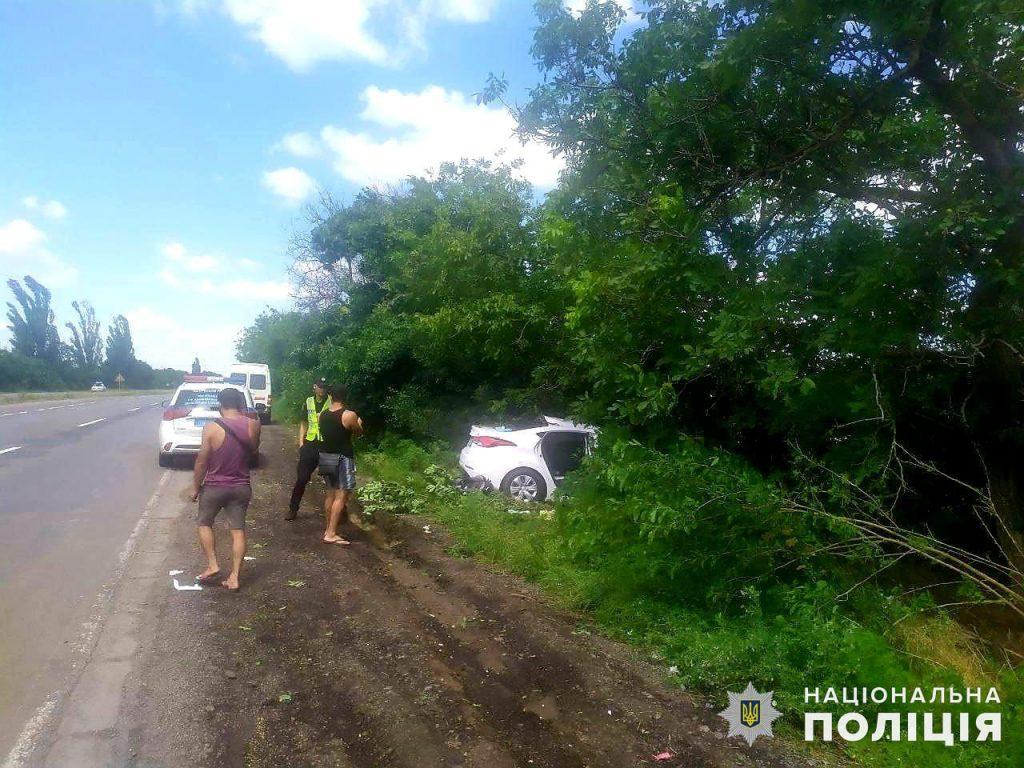 Под Николаевом в ДТП пострадали две женщины и двухлетний ребенок (ФОТО) 1