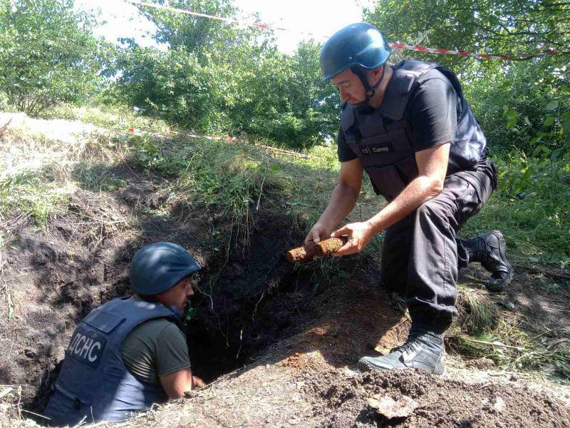Неподалеку от Врадиевки нашли 300 артснарядов (ФОТО) 3