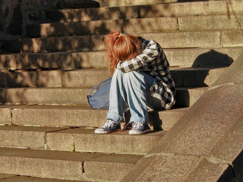 В Европе начнут бороться с одиночеством – из-за пандемии количество чувствующих себя одинокими выросло вдвое