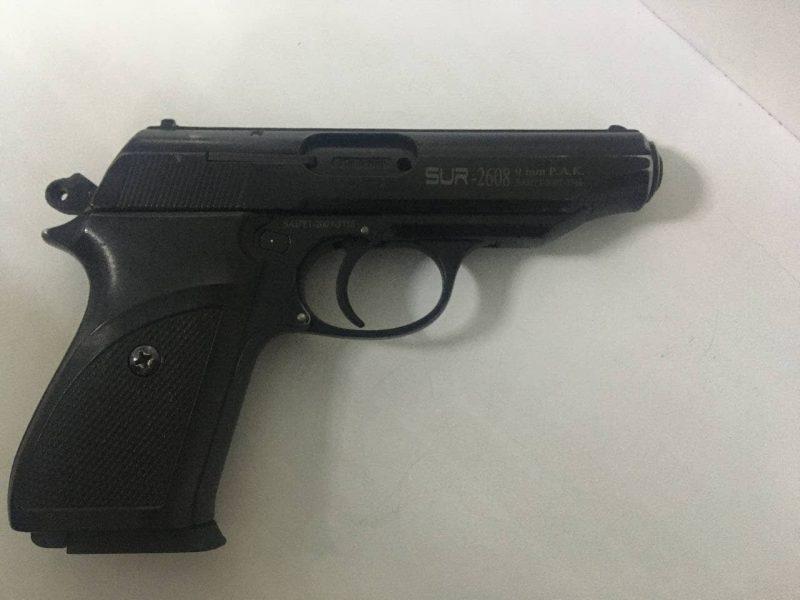 На Намыве гулял пьяный агрессивный мужчина с пистолетом – полицейские охраны его задержали (ФОТО)
