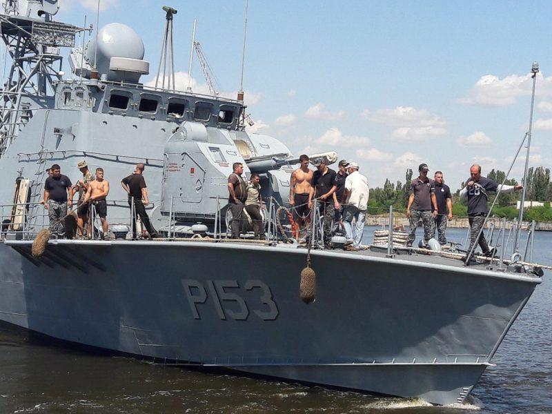 На Николаевском судостроительном заводе после докового ремонта спустили на воду «Геническ» и «Прилуки» (ФОТО)