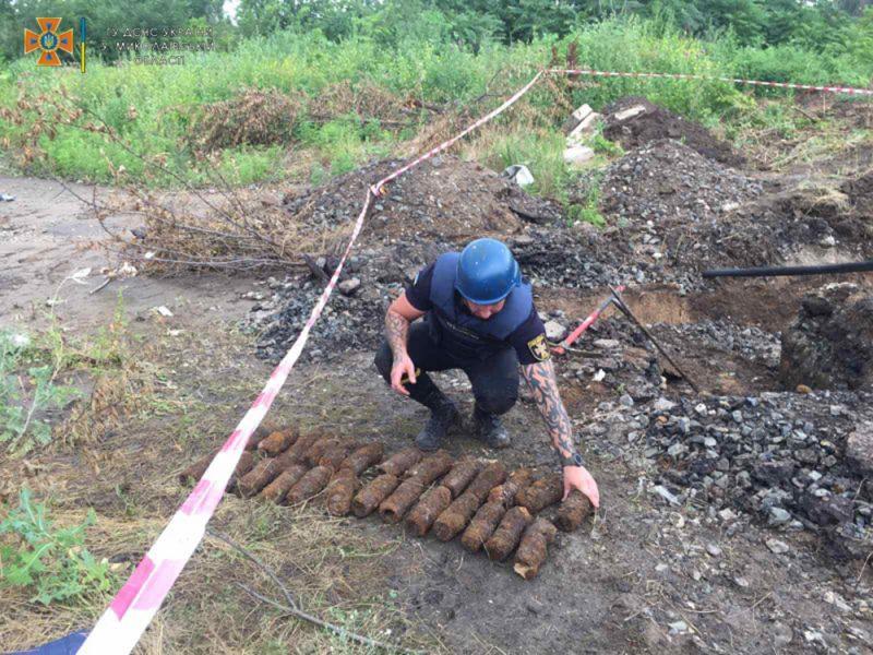 Растут они там, что ли? На стройплощадке в «Соляных» в Николаеве обнаружили еще 30 артснарядов (ФОТО)