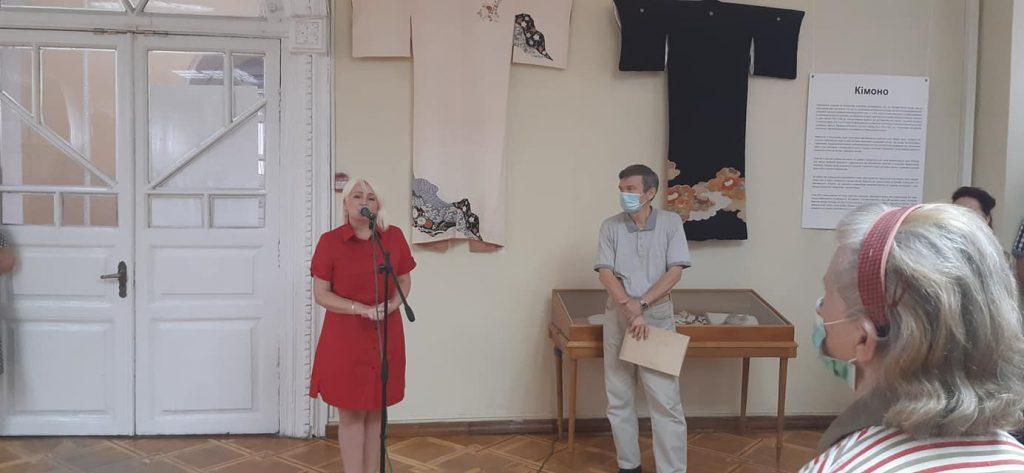 Кимоно, бумага и иероглифы: в Николаеве открылась выставка «Японский дизайн» (ФОТО) 1
