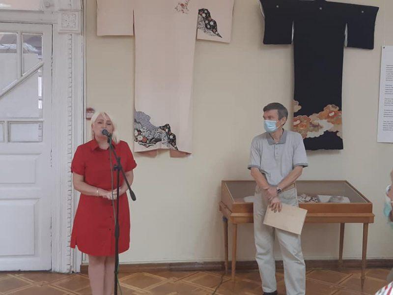 Кимоно, бумага и иероглифы: в Николаеве открылась выставка «Японский дизайн» (ФОТО)