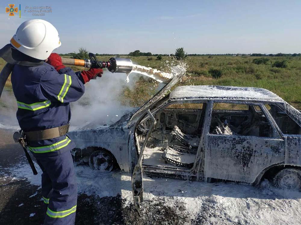 На проселочной дороге в Баштанском районе сгорела «Лада» (ФОТО) 1