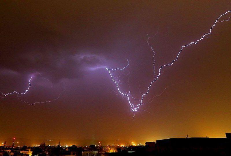 В Индии молния убила сразу 16 человек – они делали селфи