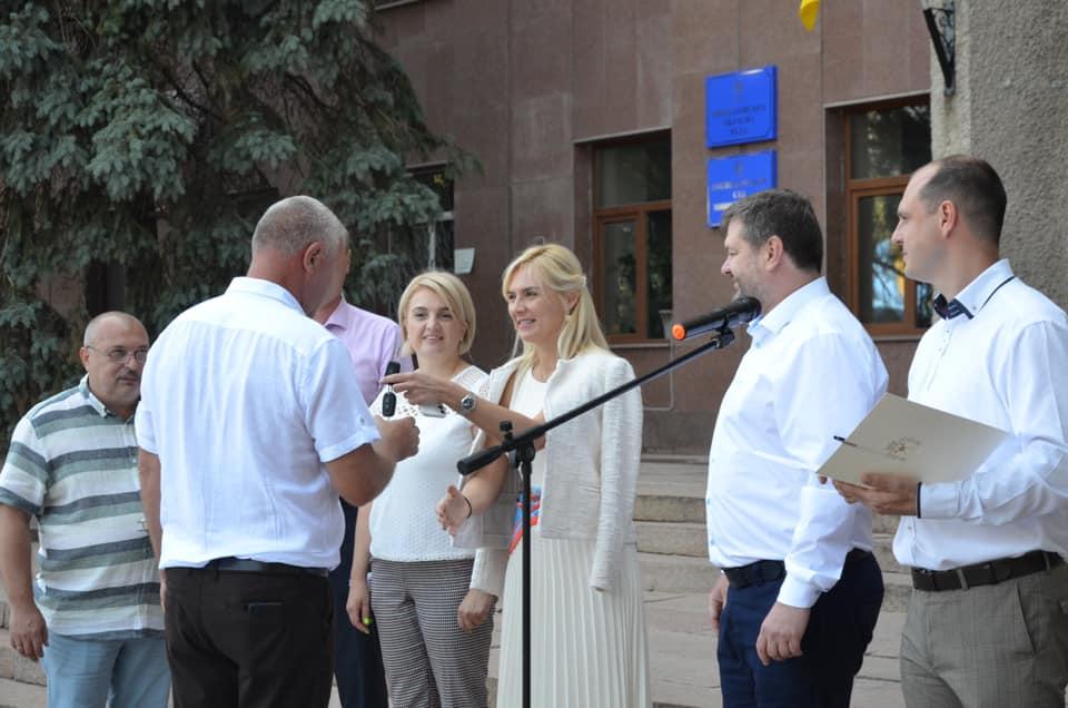 В Николаеве передали 10 Renault Duster для сельских амбулаторий (ФОТО) 3