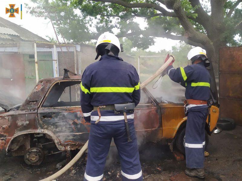 На Николаевщине за сутки потушили 4 пожара автомобилей (ФОТО)