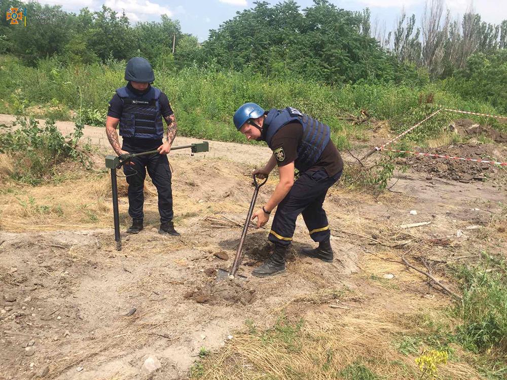 В Николаеве на стройплощадке нашли 51 артснаряд. Там может быть еще (ФОТО) 5