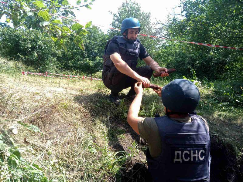 Неподалеку от Врадиевки нашли 300 артснарядов (ФОТО) 5