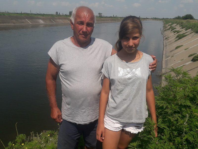 На Николаевщине смотритель каналов спас от верной смерти 13-летнюю девочку (ФОТО, ВИДЕО)