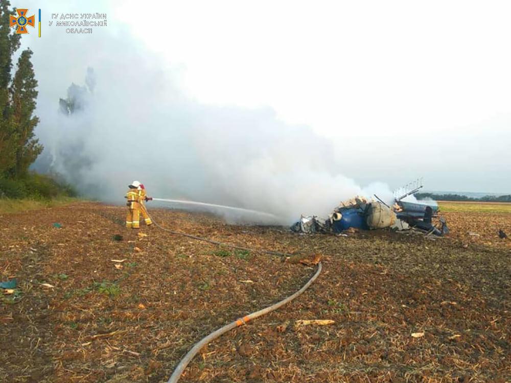 Под Николаевом упал вертолет Ми-2, два человека погибли (ФОТО, ВИДЕО) 5