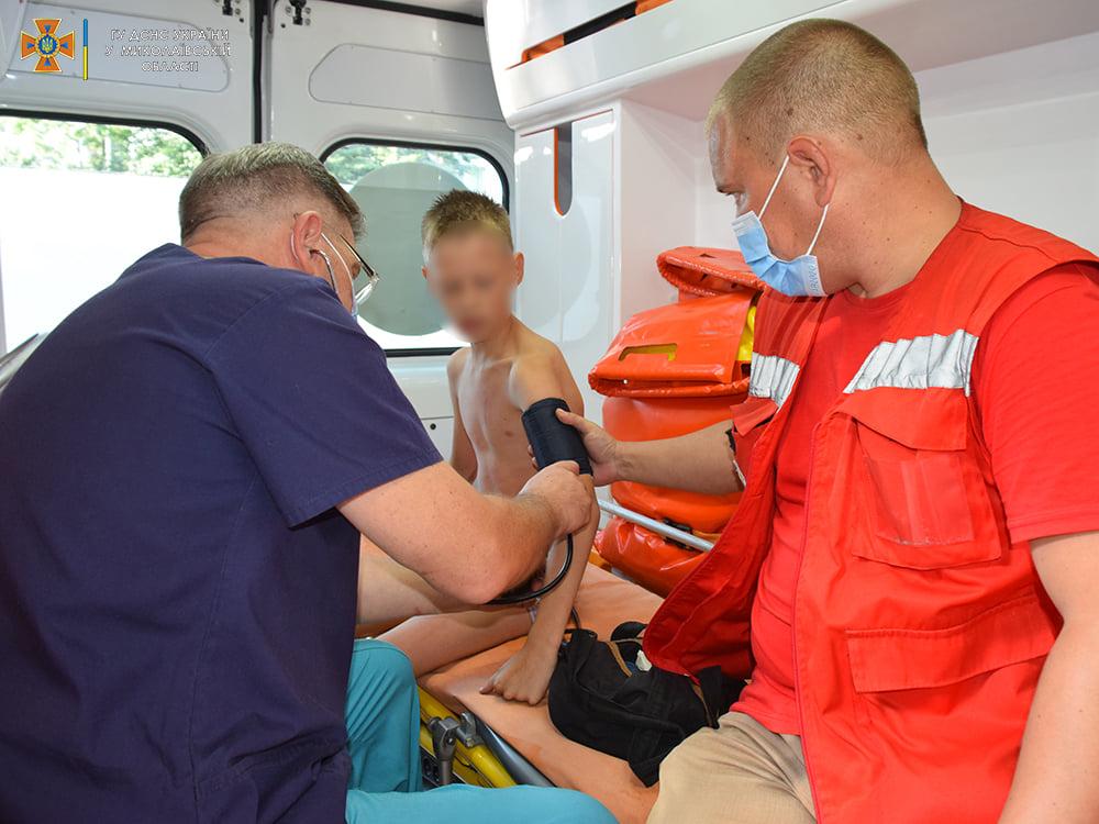 Пожарные спасли ребенка из горящей квартиры на 4-м этаже в Николаеве (ФОТО) 7