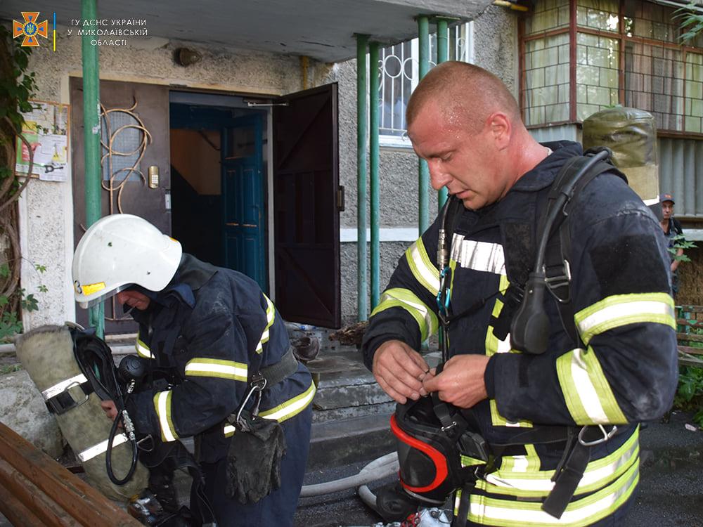 Пожарные спасли ребенка из горящей квартиры на 4-м этаже в Николаеве (ФОТО) 9