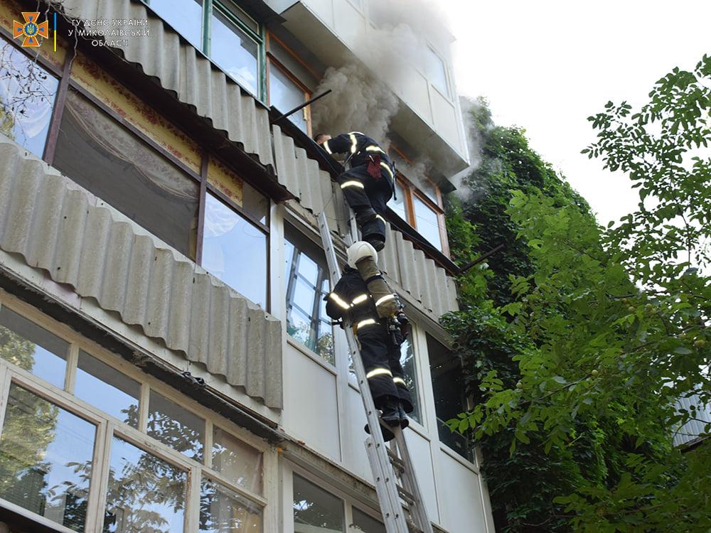Пожарные спасли ребенка из горящей квартиры на 4-м этаже в Николаеве (ФОТО) 13