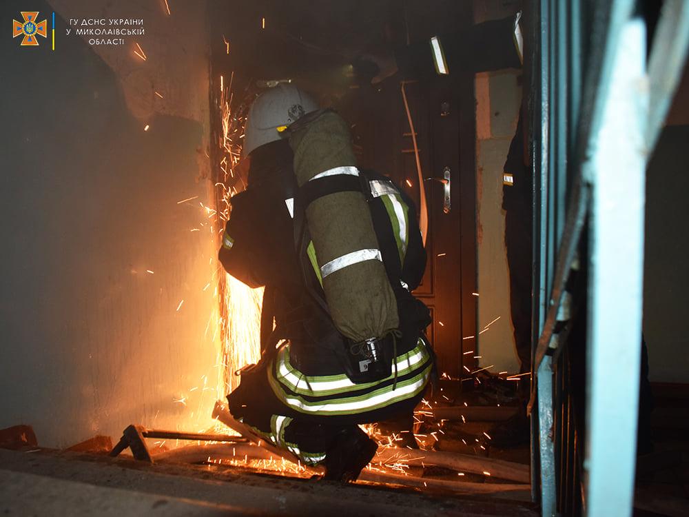 Пожарные спасли ребенка из горящей квартиры на 4-м этаже в Николаеве (ФОТО) 3