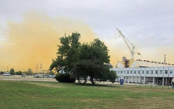 В Ривне взрыв на химзаводе с выбросом нитрозных газов – оранжевое облако расширяется (ФОТО, ВИДЕО)