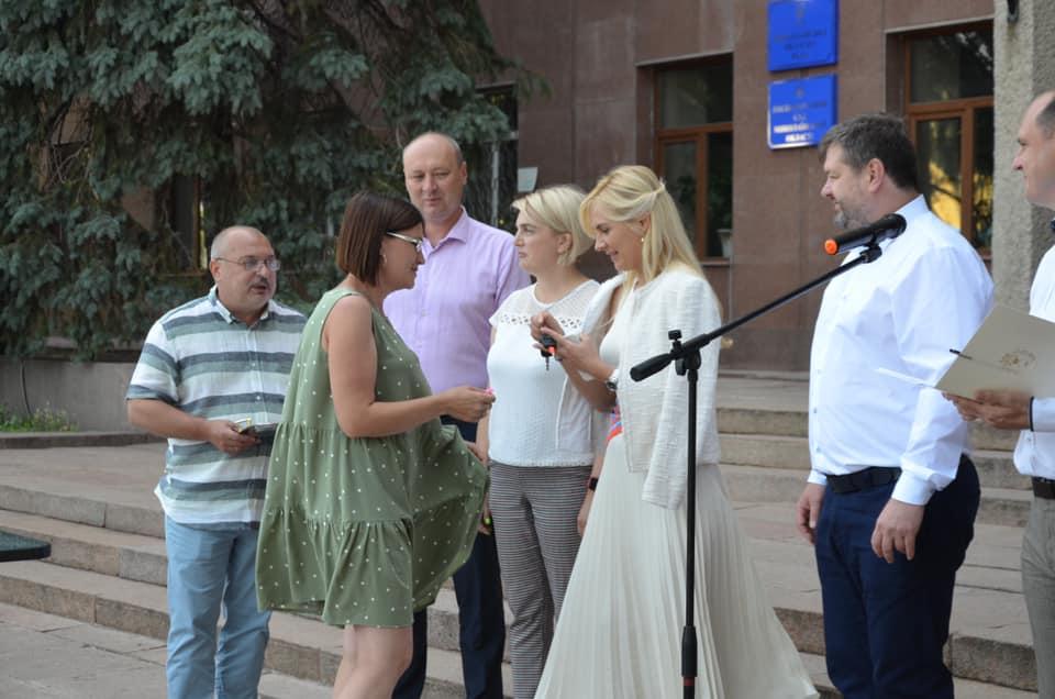 В Николаеве передали 10 Renault Duster для сельских амбулаторий (ФОТО) 5