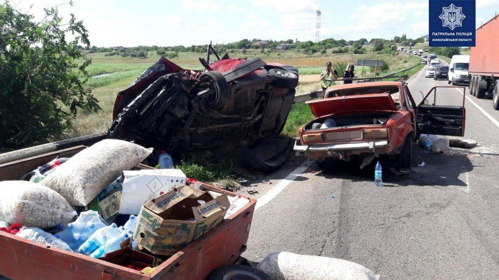Возле Красного «встретились» ВАЗ и Volkswagen: двое пострадавших, один из которых умер в больнице, движение на трассе «Николаев-Одесса» затруднено (ОБНОВЛЕНО, ФОТО) 5