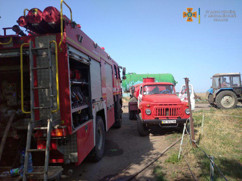 В Николаевской области потушили еще 2 горевших автомобиля и частный магазин (ФОТО) 5