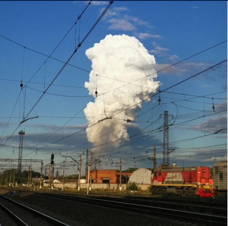 Горела земля. В РФ на магистральном газопроводе произошел взрыв (ФОТО, ВИДЕО) 3