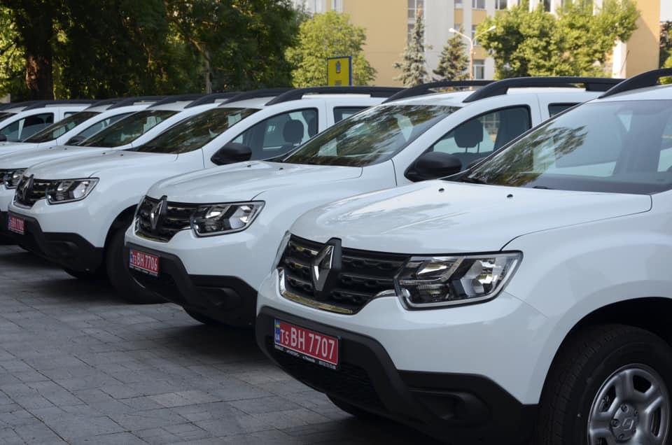 В Николаеве передали 10 Renault Duster для сельских амбулаторий (ФОТО) 7