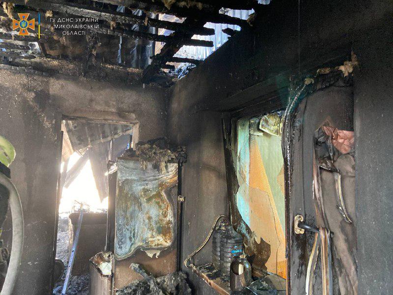 В Николаевской области потушили еще 2 горевших автомобиля и частный магазин (ФОТО) 7