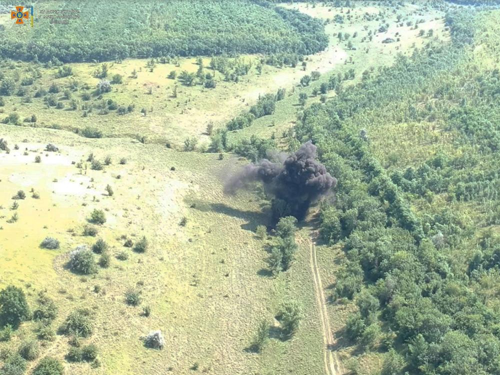 В Николаевской области обезвредили еще полтысячи найденных у Врадиевки артснарядов (ОТО) 9