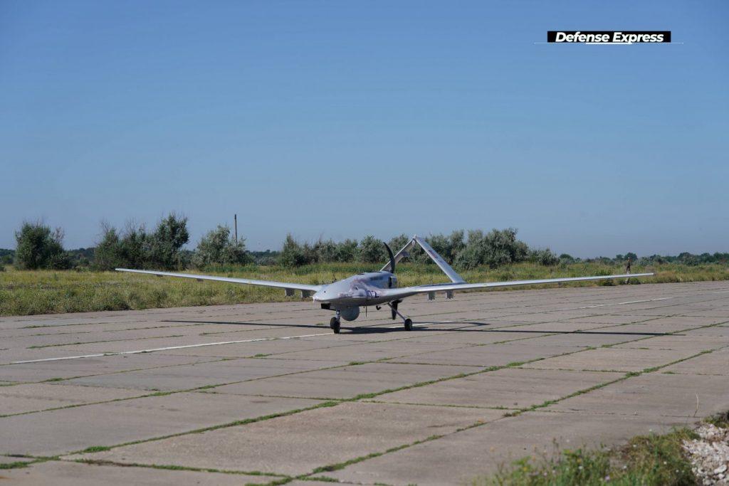 Первый комплекс Bayraktar TB2 поставят на вооружение дислоцирующейся в Николаеве 10-й бригады морской авиации (ФОТО) 9