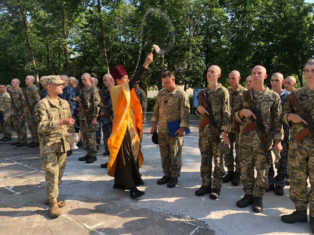 В Николаеве на верность украинскому народу присягнули матросы-«срочники» (ФОТО) 13