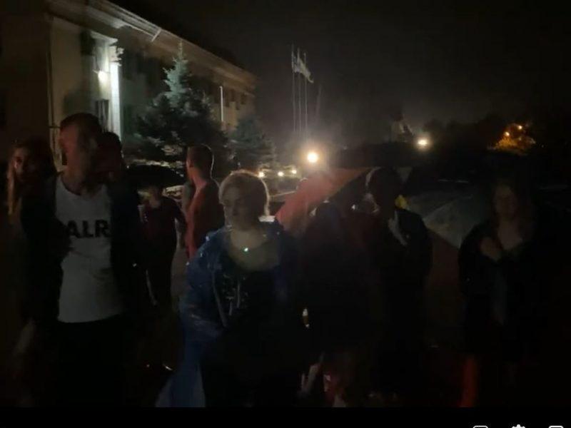 В Николаеве взбунтовались жители ул.Заводской – не пускают большегрузы и хотят прийти на сессию горсовета (ВИДЕО)