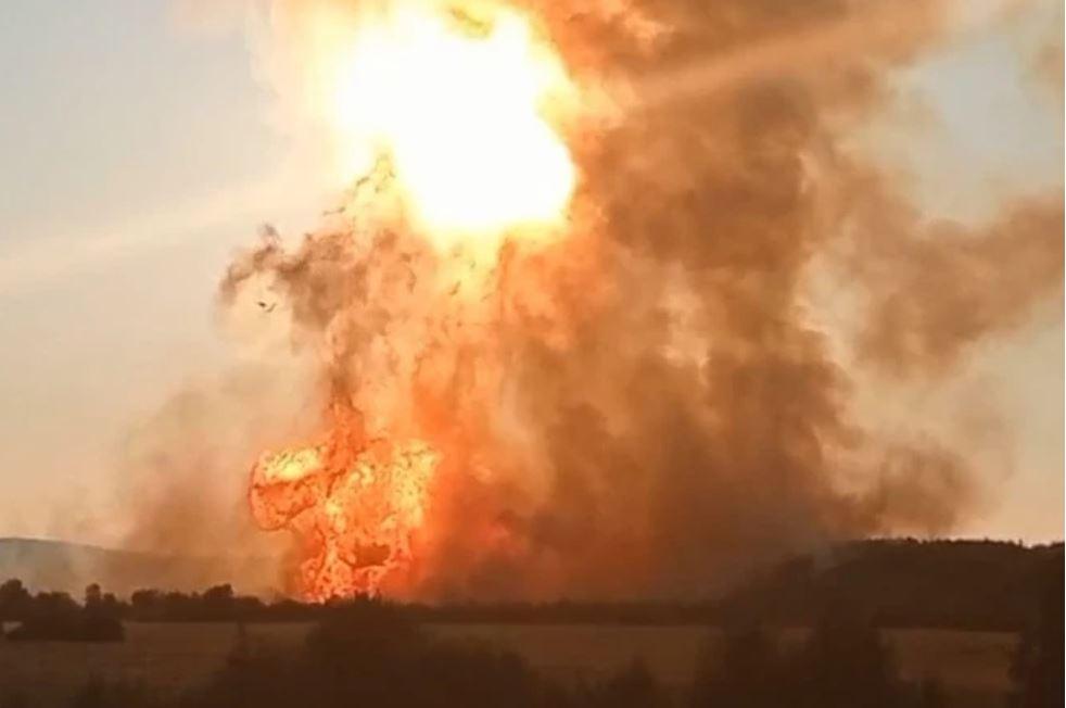 Горела земля. В РФ на магистральном газопроводе произошел взрыв (ФОТО, ВИДЕО) 5