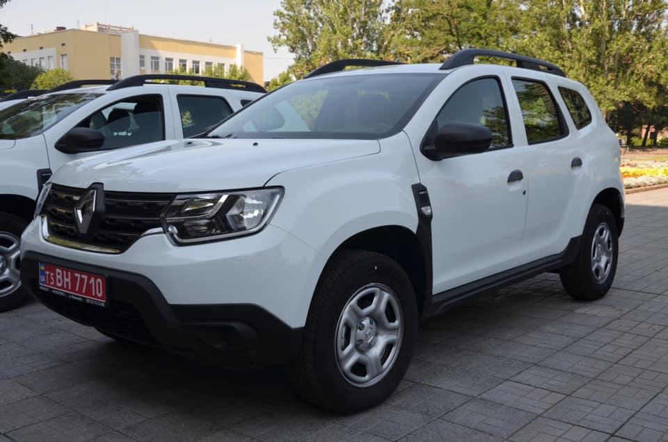 В Николаеве передали 10 Renault Duster для сельских амбулаторий (ФОТО) 13