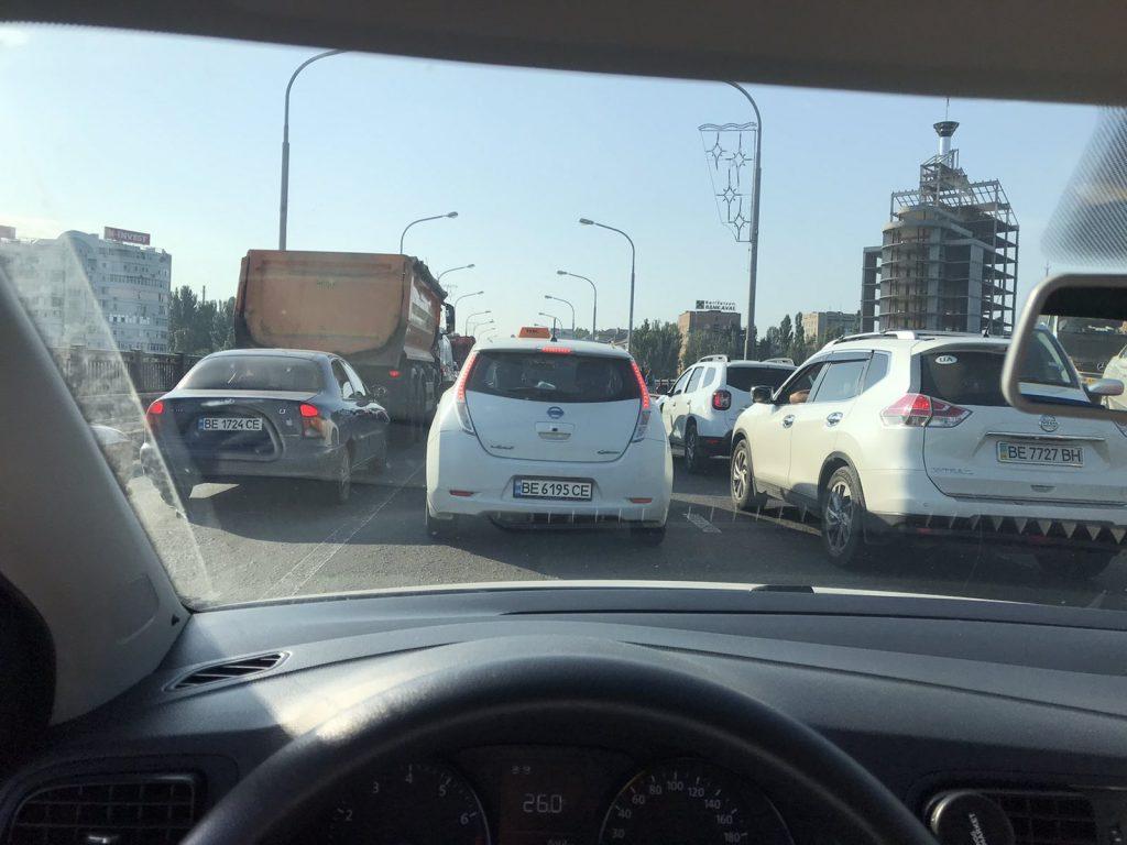 Фуры, Варваровский мост, пробки: как Николаев встретил 27 июля (ФОТО, ВИДЕО) 13