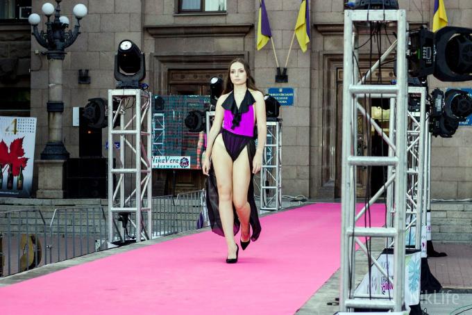Дефиле из мэрии: на Соборной площади прошел фестиваль моды SUFD 9