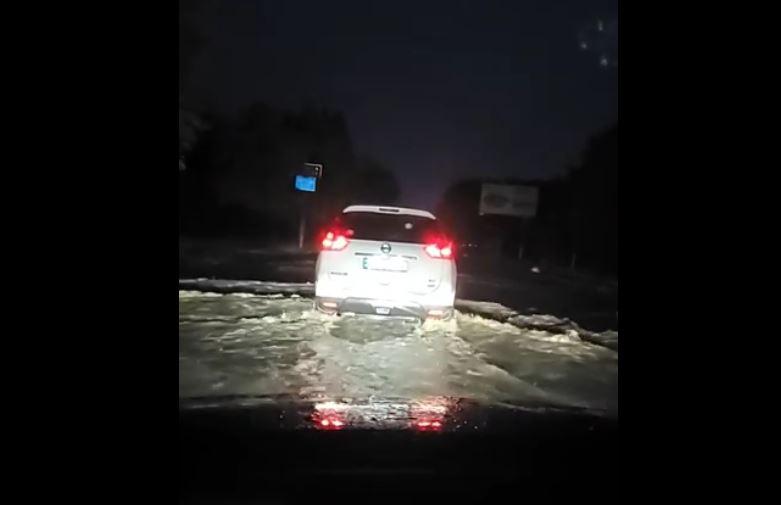 Варваровку затопило, мост через Южный Буг тоже (ВИДЕО)