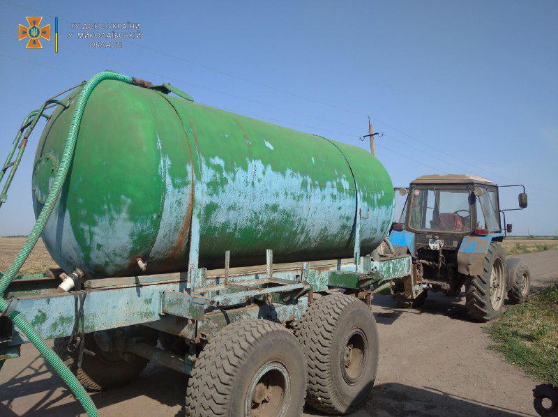 В Николаевской области потушили еще 2 горевших автомобиля и частный магазин (ФОТО) 17