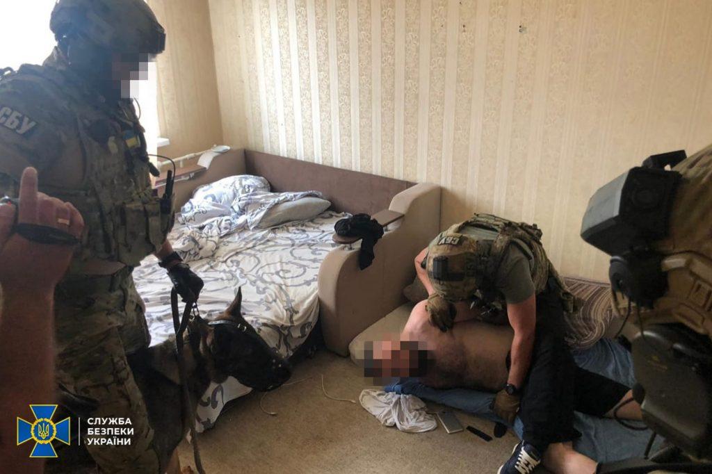 В Одессе задержали фальшивомонетчиков - фальшивость их долларов не определяли даже спецустройства (ФОТО, ВИДЕО) 3
