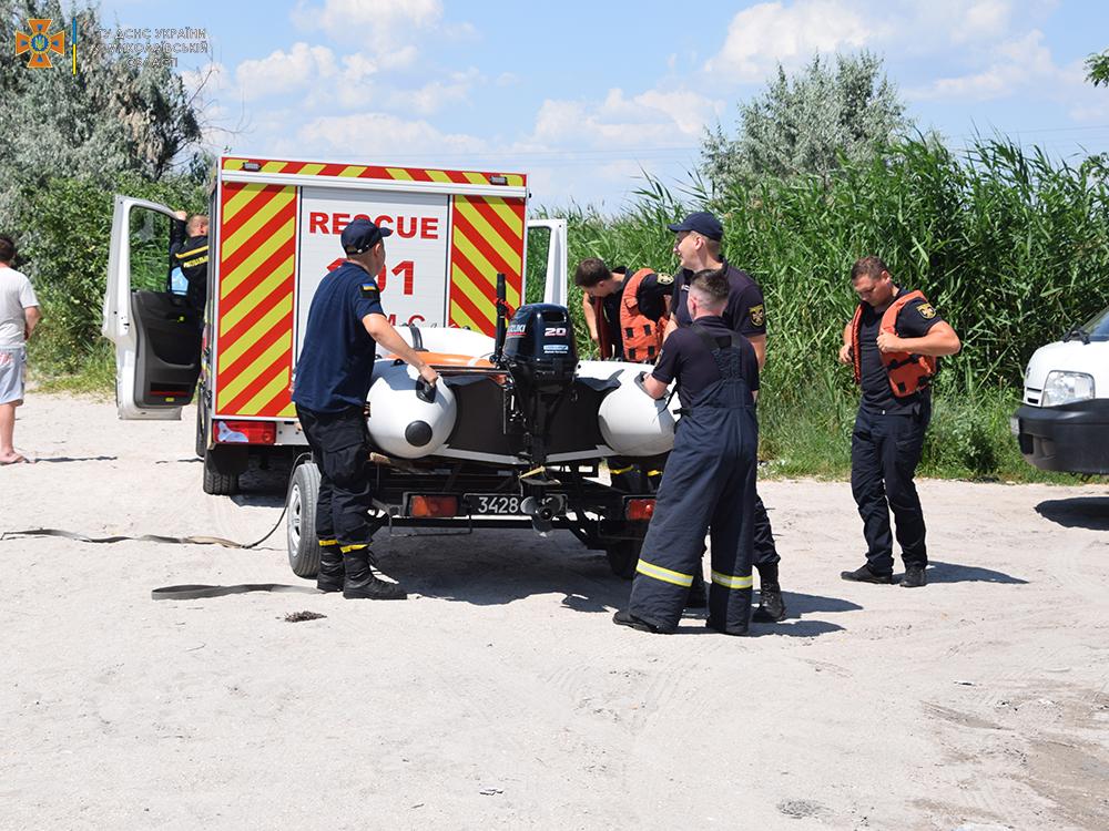 На Намыве утонул молодой мужчина - спасатели достали его тело (ФОТО, ВИДЕО) 17