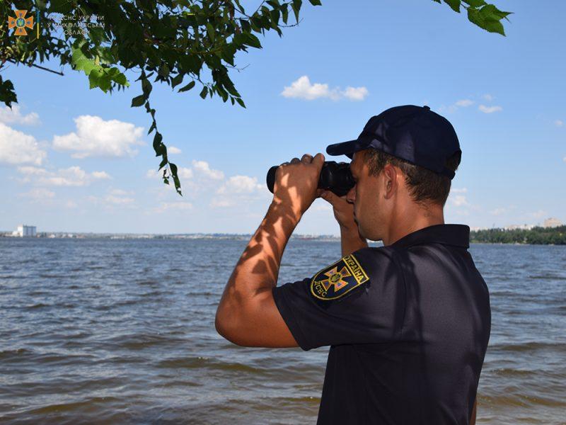 На Намыве утонул молодой мужчина – спасатели достали его тело (ФОТО, ВИДЕО)