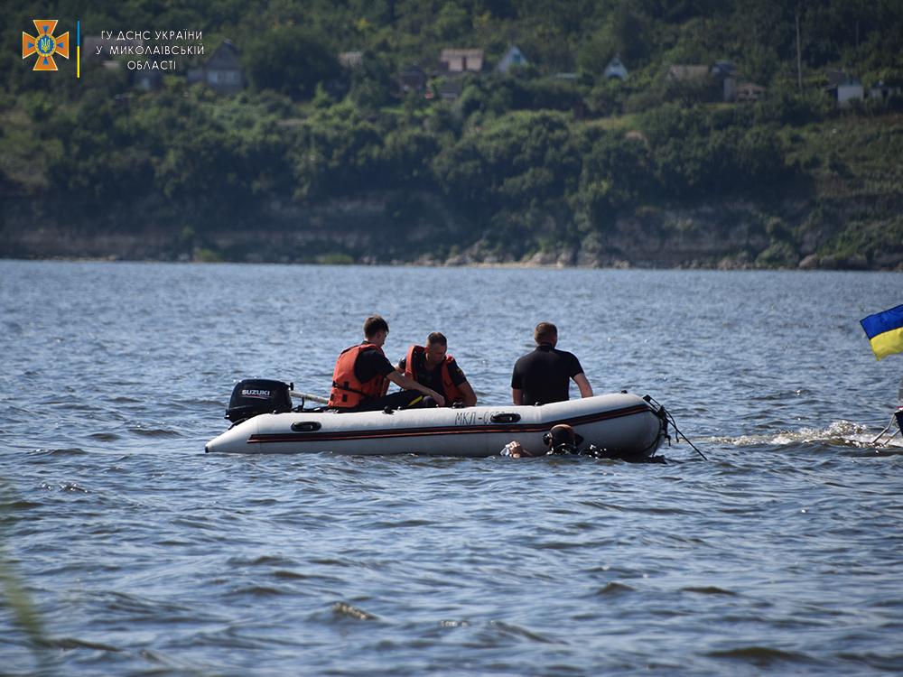 На Намыве утонул молодой мужчина - спасатели достали его тело (ФОТО, ВИДЕО) 19