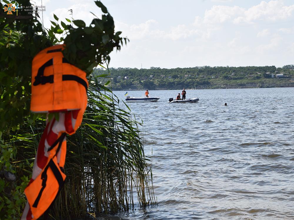 На Намыве утонул молодой мужчина - спасатели достали его тело (ФОТО, ВИДЕО) 21